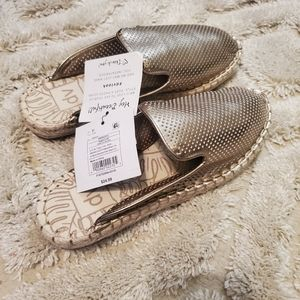 DV  by Target Gold Mules 7.5